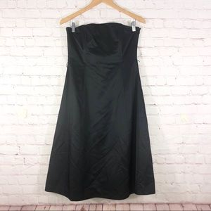 Banana Republic Strapless Black Dress
